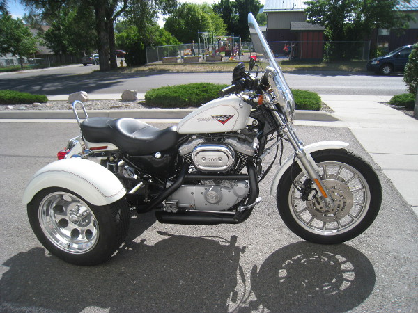 white_motorcycle2a